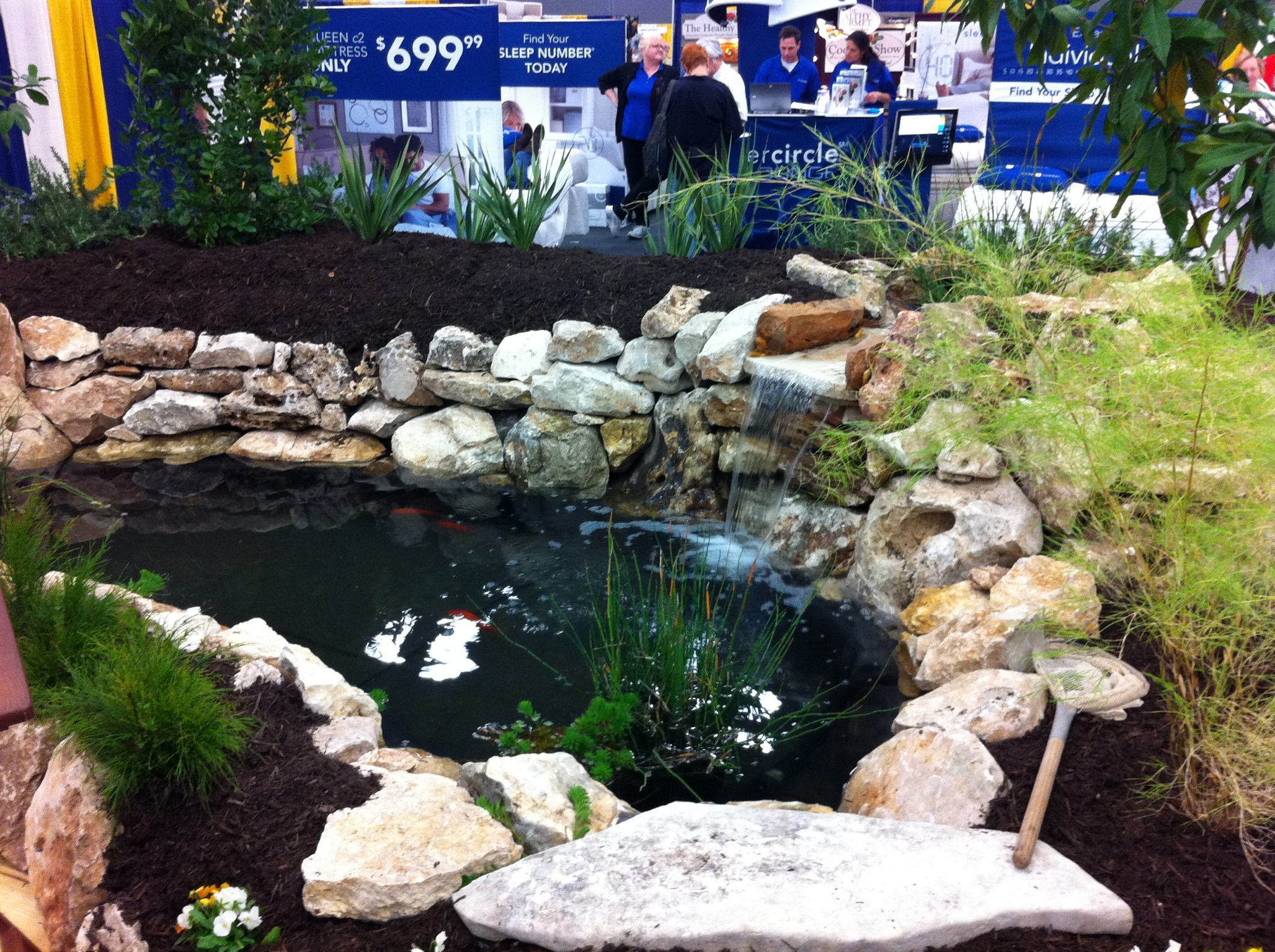 xeriscaping water features for small gardens drought tolerant. Black Bedroom Furniture Sets. Home Design Ideas